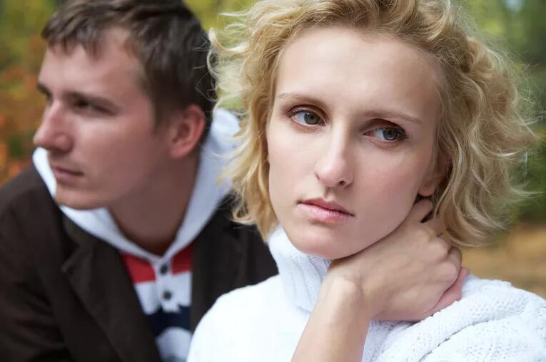 6 Signs You're Growing Apart From Your Partner